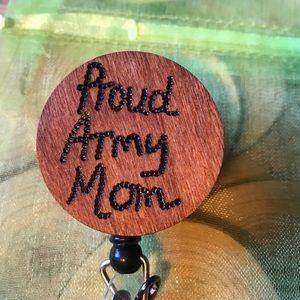 Army mom badge reel